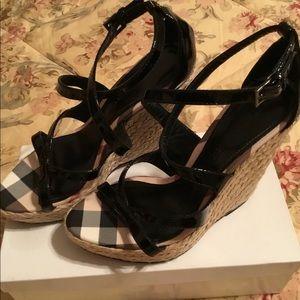 Burberry sandles black